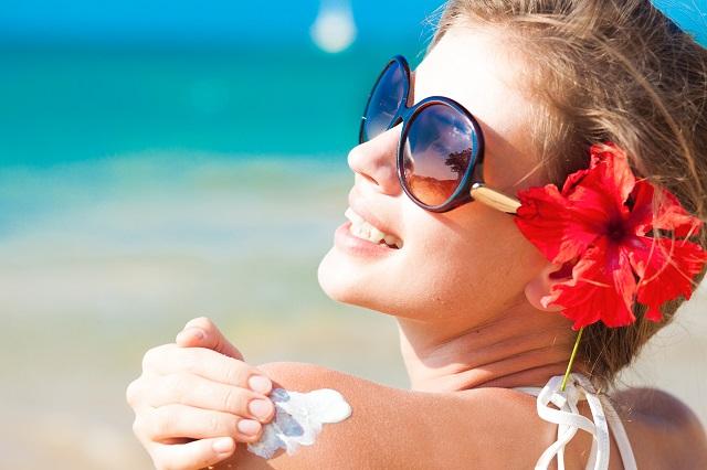 ¿sabías que las búsquedas de la palabra 'bronceado' aumentan al principio del verano, mientras que después empiezan a ascender las búsquedas de 'protector solar', 'quemadura solar' o 'aloe vera'?